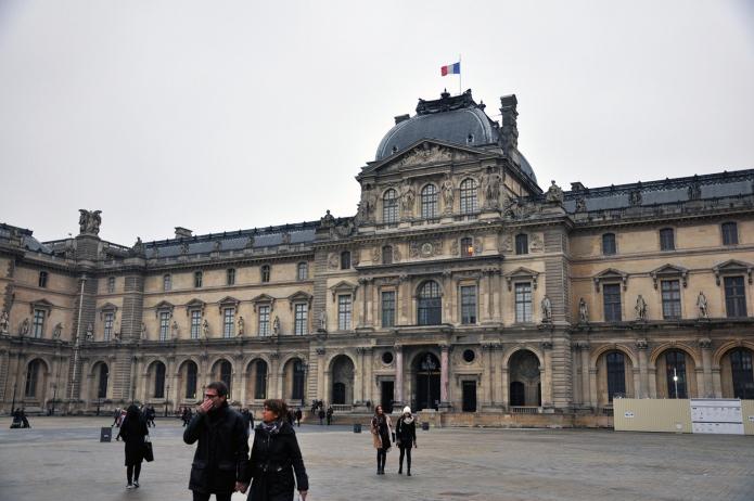 Louvre 19
